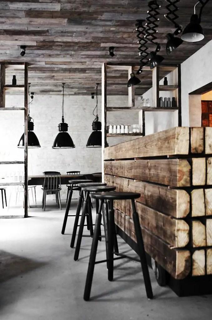 comptoir de bar en bois recyclé