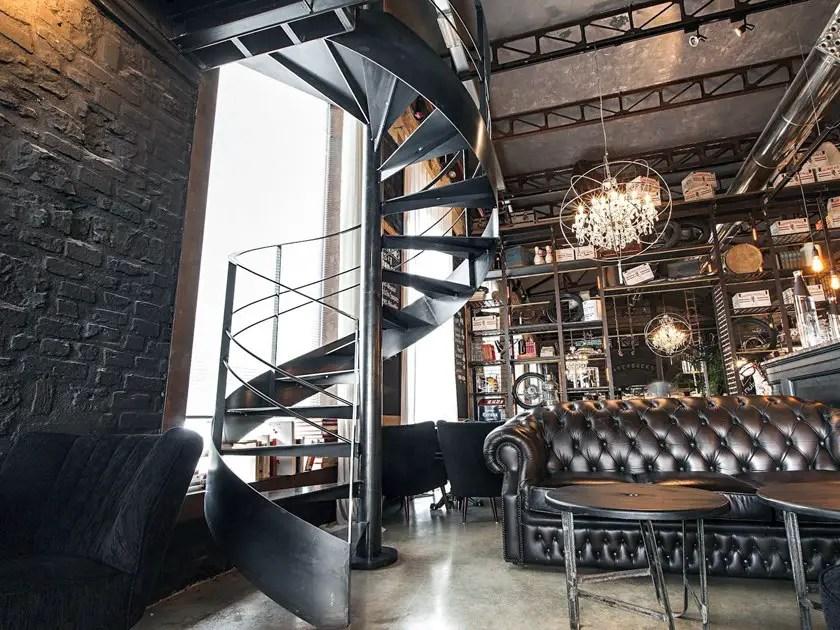 Escalier en colimaçon métal