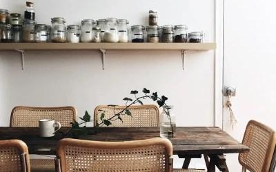 La table en vieux bois : pour une déco responsable et chic