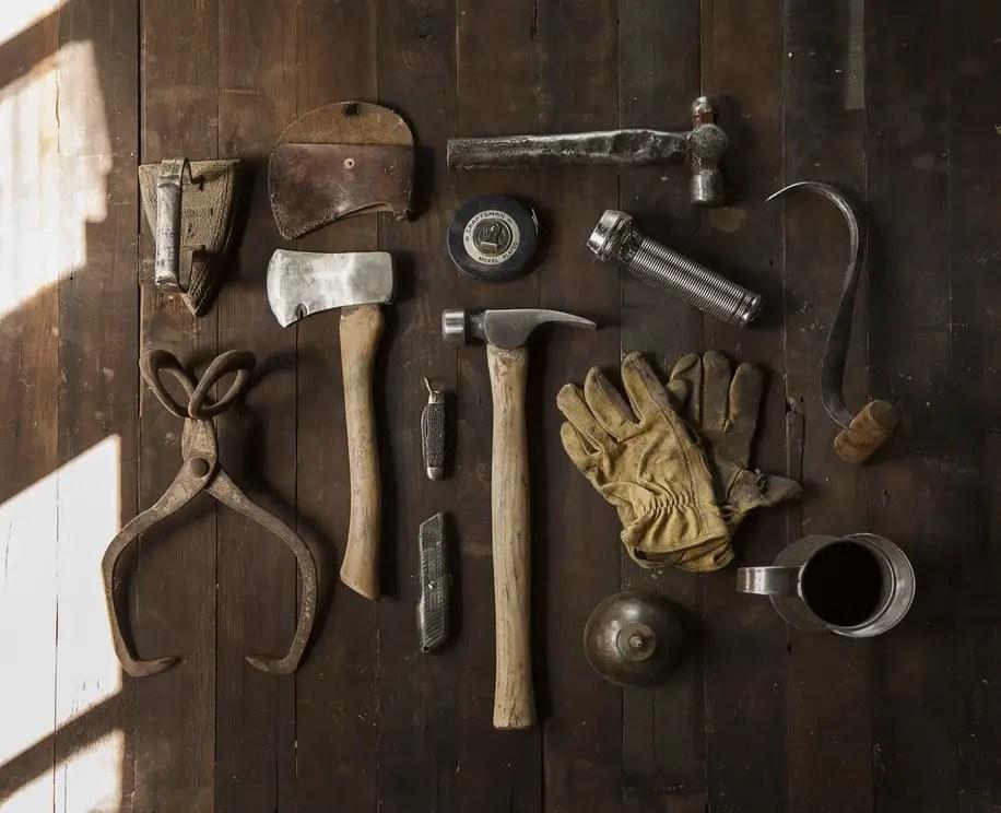 outils anciens pour assemblage tenon mortaise Atelier artisan