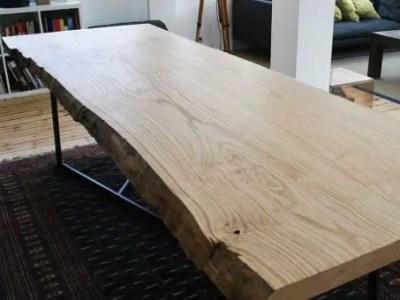 table basse en bois live edge de châtaignier massif