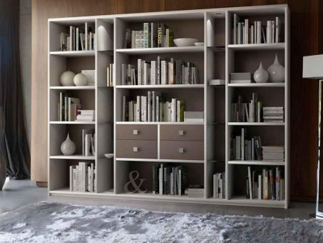 Bibliothèque en bois avec étagères