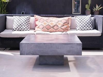 Table en béton ciré sur socle