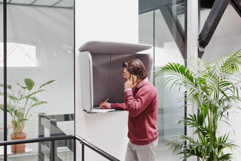 cabine téléphonique de bureau