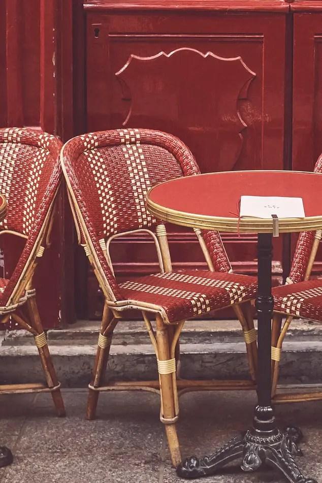 table et chaise de bistrot pour terrasse de café restaurant