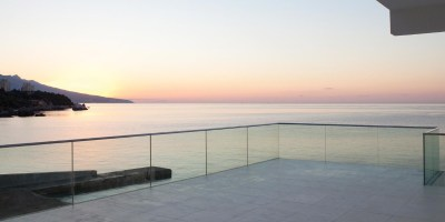 Garde-corps en verre extérieur