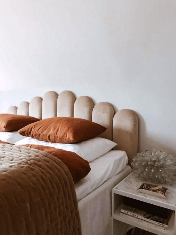 chambre esprit boudoir avec velours rose pâle