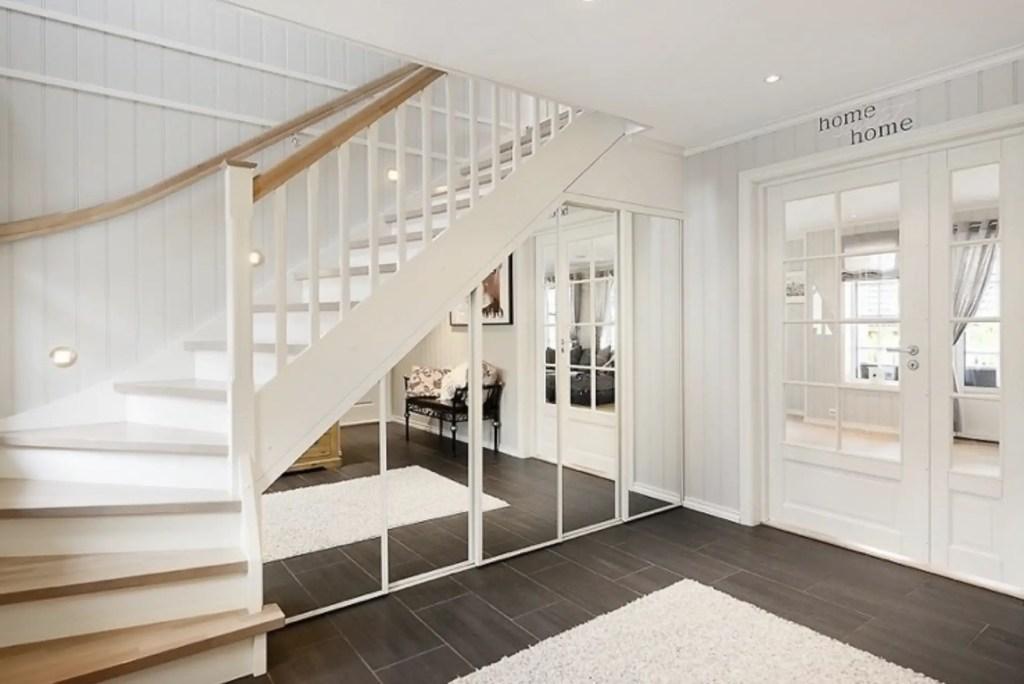rangement et dressing sous escalier