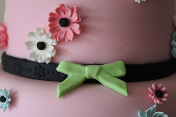 green fondant bow