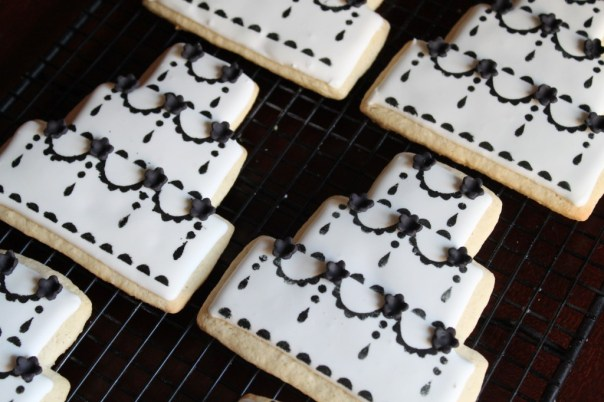 Black and White Wedding Cake Cookies