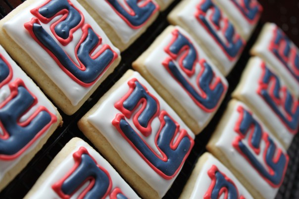 NY Giants Logo Cookies