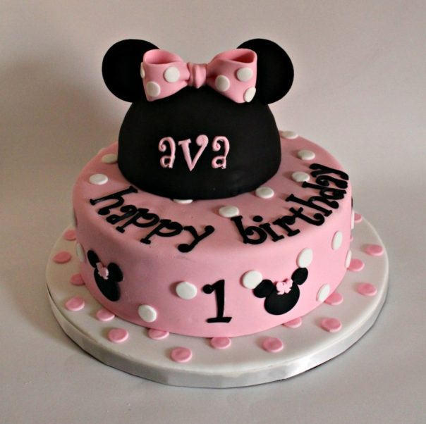 Ava's Minnie Mouse Cake