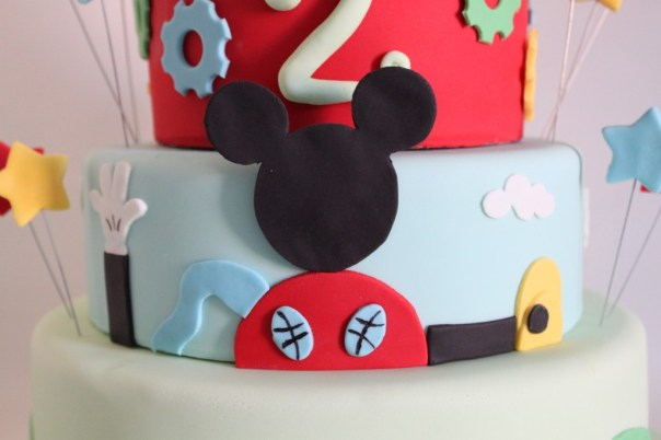 Mickey's Fondant Clubhouse