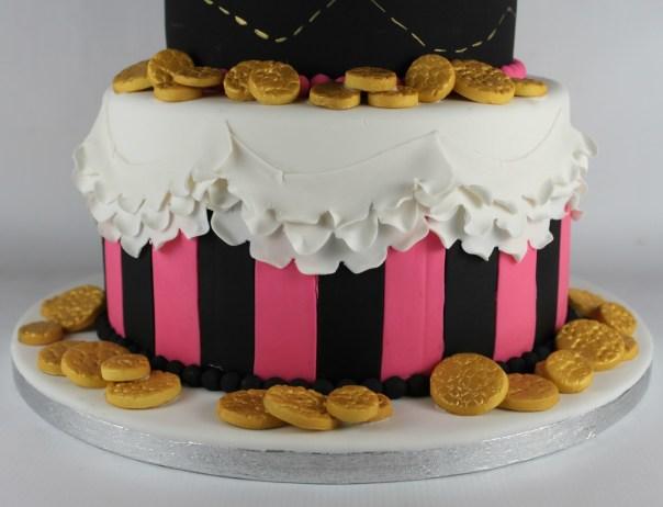 Ruffle Scallop Cake Tier