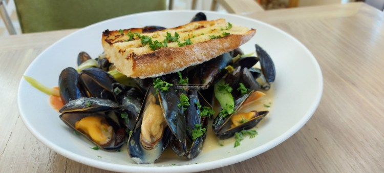 Steamed mussels, from Holland - apparently