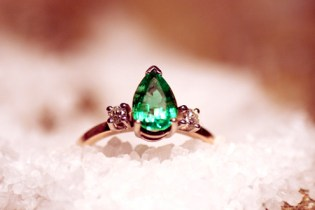 Pear Shaped Emerald Engagement Ring flanked by two sweet Brilliant Cut Diamonds in High Karat Gold - beautiful Colored Stone Engagement Band