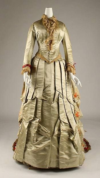Day Dress 1880_1