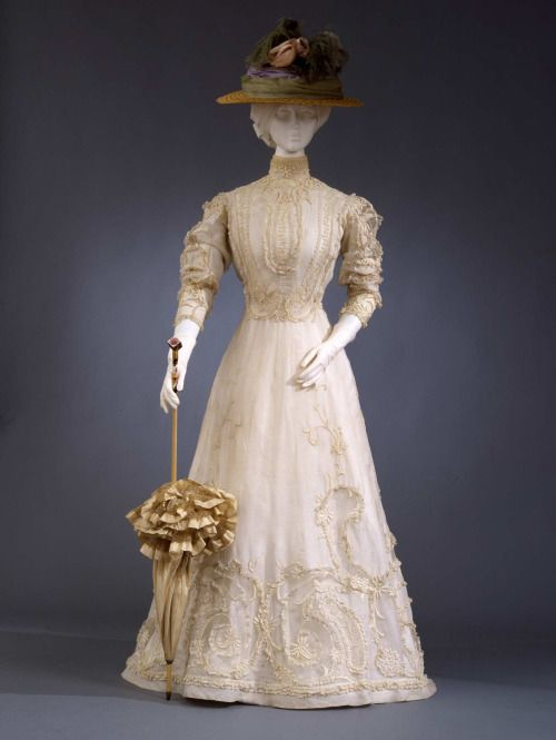 Day Dress, c. 1903 - 1905;  Galleria del Costume di Palazzo.