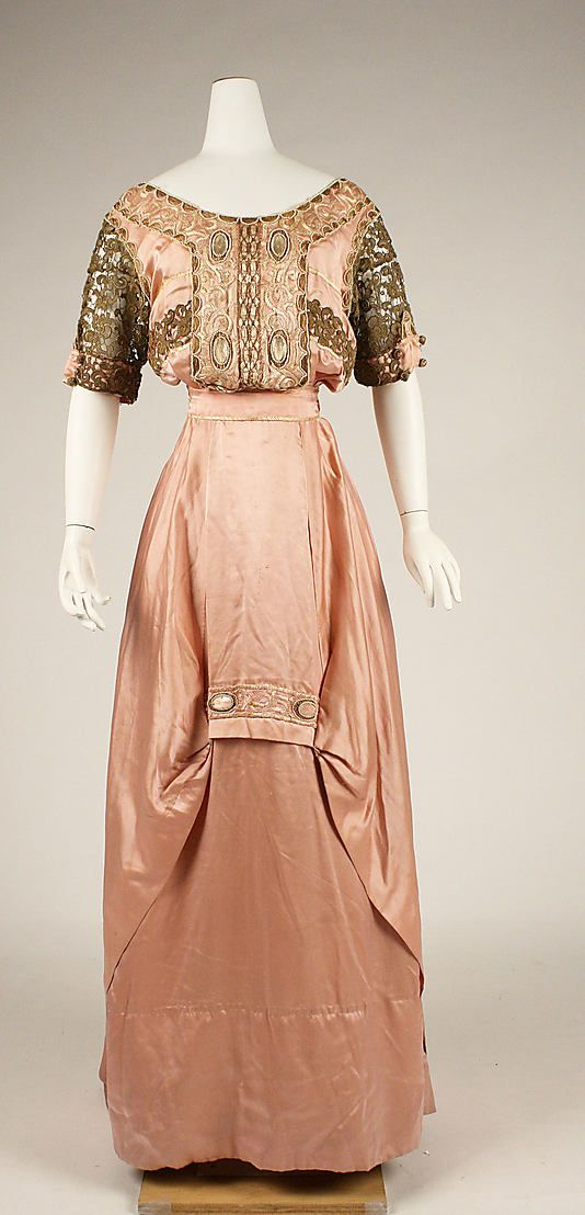 Evening Dress, c. 1909, American or European, made of silk; Metropolitan Museum of Art (C.I.41.7.6)