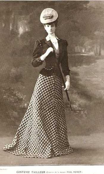 A later design pictured in the April 1, 1906 issue of Femina.