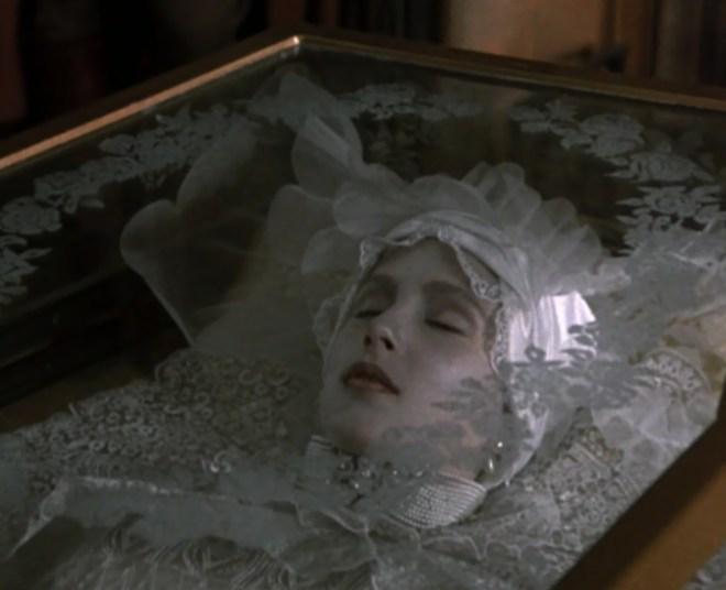 Lucy Vampire2