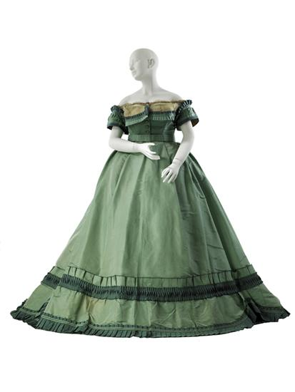 Charles Frederick Worth, Evening Bodice/Ensemble Dress, c. 1864 - 1866; Museum of the City of New York (35.365.3A-D)