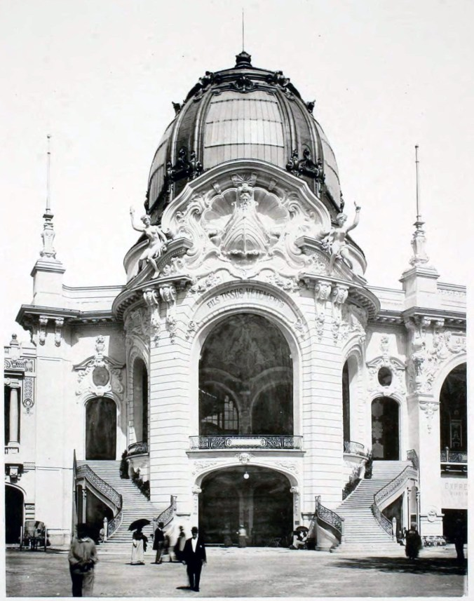 Exhibition Universelle 1900 Paquin