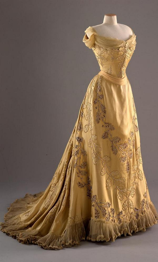 Ball Gown Evening Dress Worth c. 1902 Lady Mary Curzon