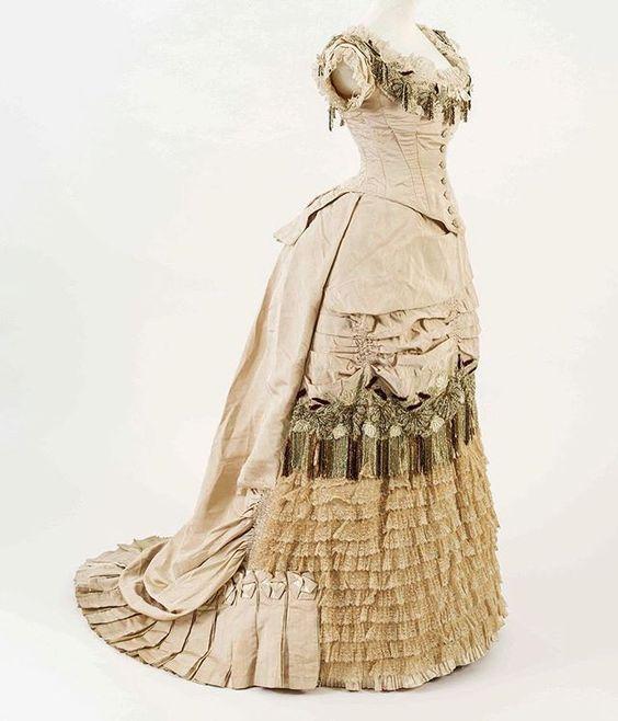 Bath Fashion Museum Day Dress c. 1876