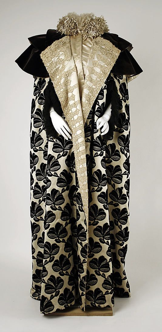 Mantle Worth Outerwear Late 1890s