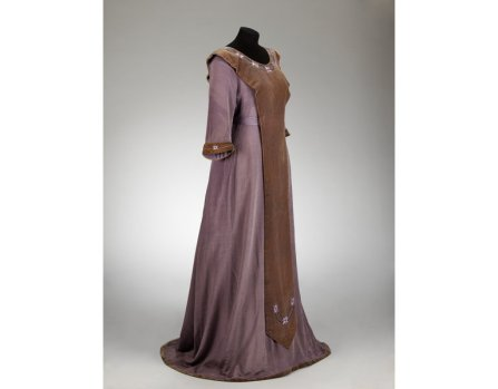 Aesthetic Dress Movement c. 1905