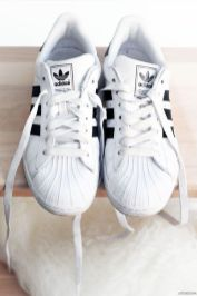 nettoyer et blanchir ses chaussures blanches au naturel