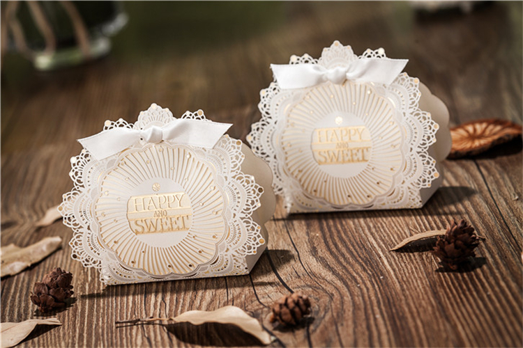 Romantic Lace Wedding Gift And Favors Box Elegant White