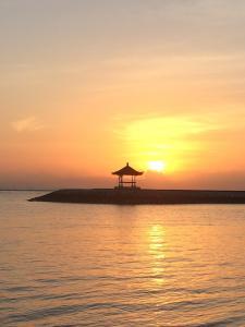 sunrise-2899850_1920