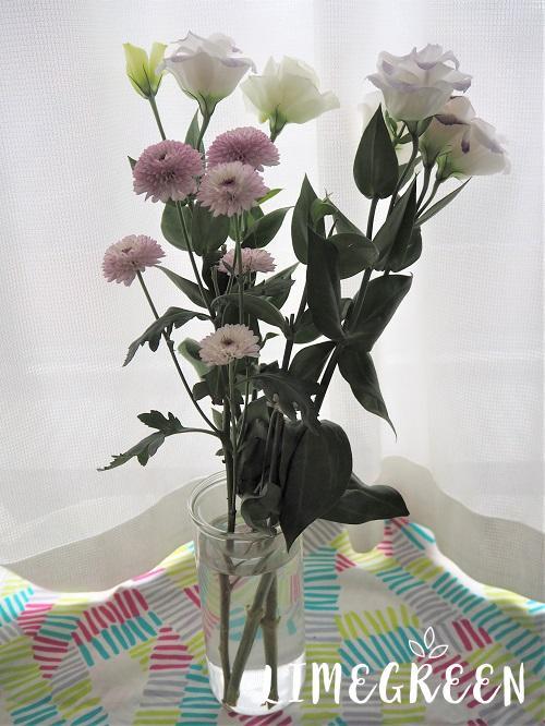 BULB VASE LONG(バルブベースロング)に活けた花