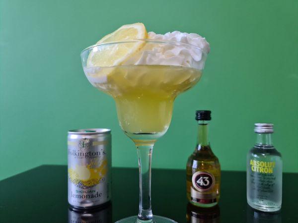 Lemon Meringue Fizz hero Shot compressed