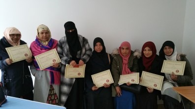 e3 Learners from Caledonian Road get their certificates