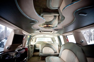 Limelight Limo Saskatoon Limo 8 person Limo