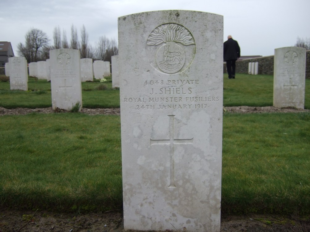 I 16. Private James Shiels (4048) 1st Bn. Royal Munster Fusiliers (Photo by John Cusack at Pond Farm Cemetery)