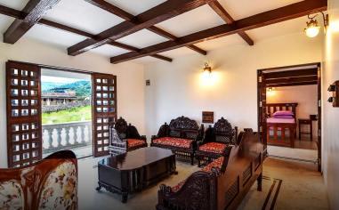 Lonavala-Colonial Villa 16