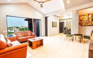 Luxury-Pool-And-Deck-Villa-4