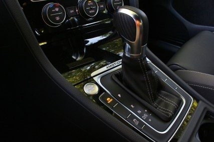 2015 VW Golf R 13