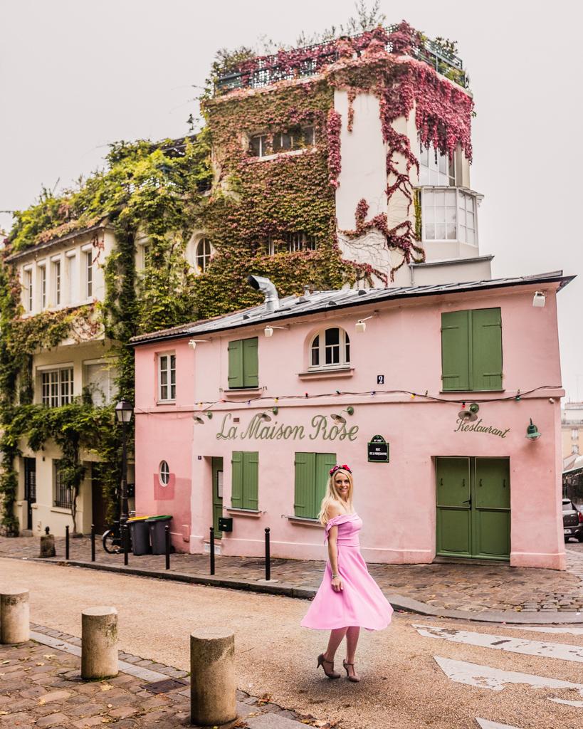 La Maison Rose in Montmartre - Paris in fall