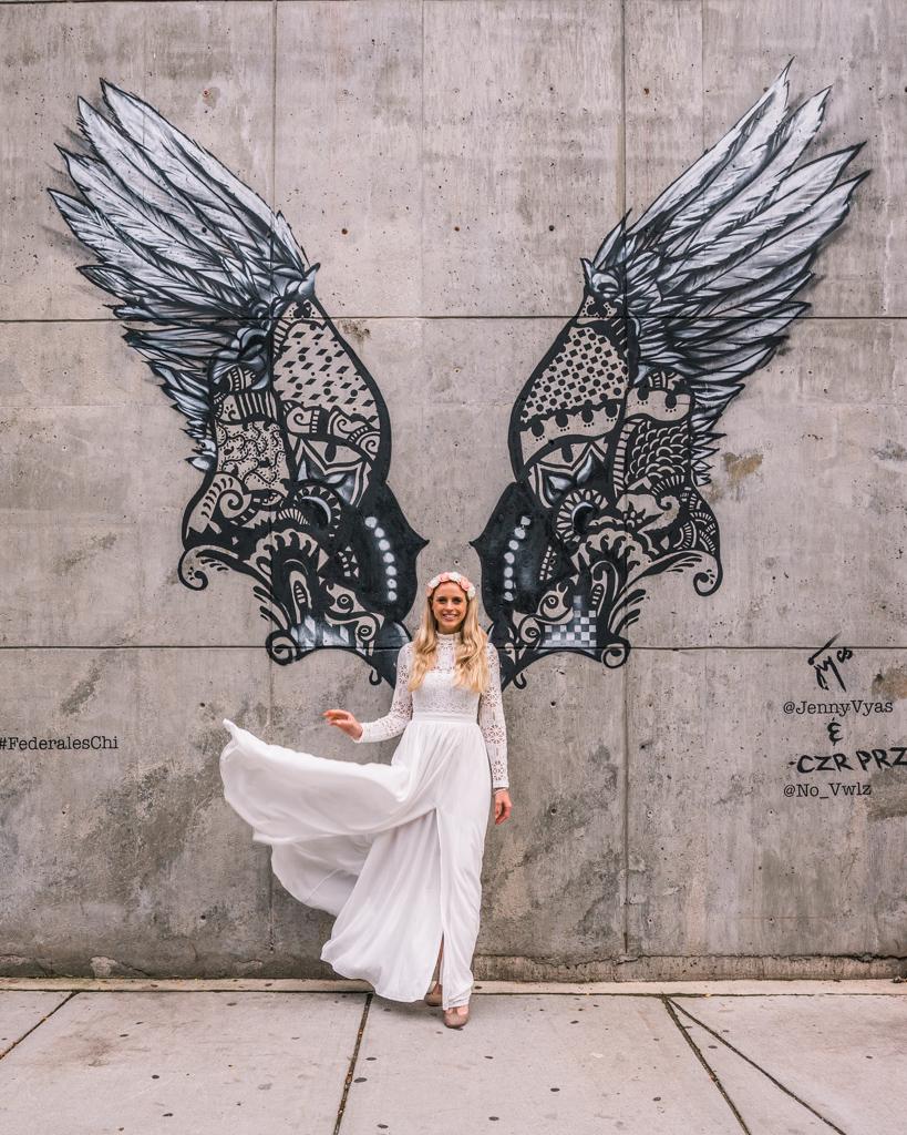 Angel wings mural in W Lake St - Chicago
