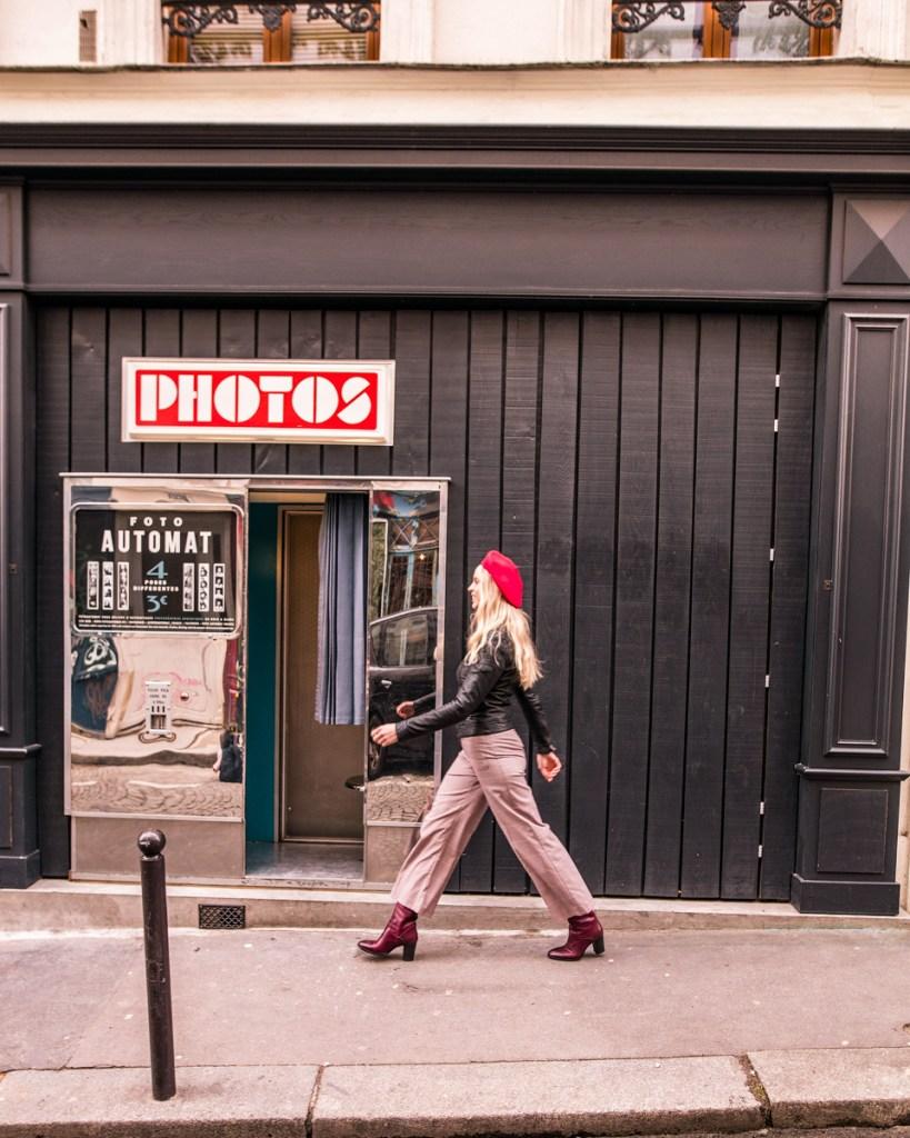 Vintage Photo Booth in Montmartre - Paris