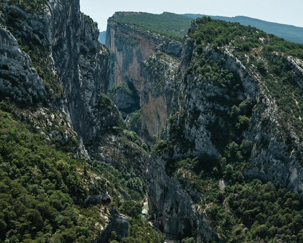 Verdon Gorges in Provence - Photo by Bob van Aubel on Unsplash