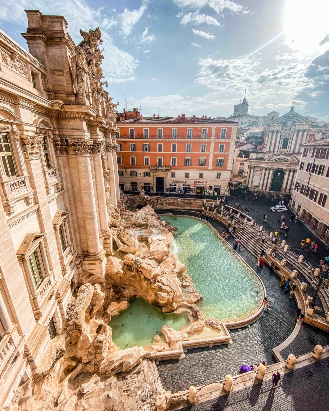 AirBnb luxury apartment with Trevi Fountain View in Rome