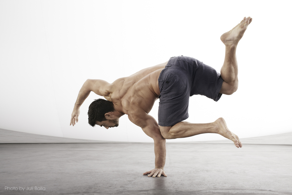 A SIMPLE MOVEMENT ROUTINE TO IMPROVE FLEXIBILITY AND MOBILITY IF YOU HATE STRETCHING