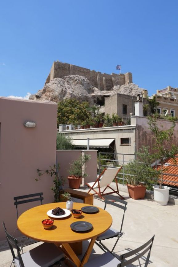 theas - WHERE TO STAY IN ATHENS - THE ULTIMATE GUIDE FOR THE BEST ACCOMMODATION AREA