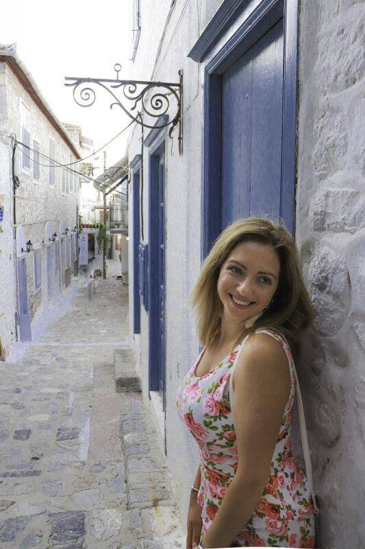 limitless travelling with k katerina - 15 TOP THINGS TO DO IN HYDRA ISLAND GREECE